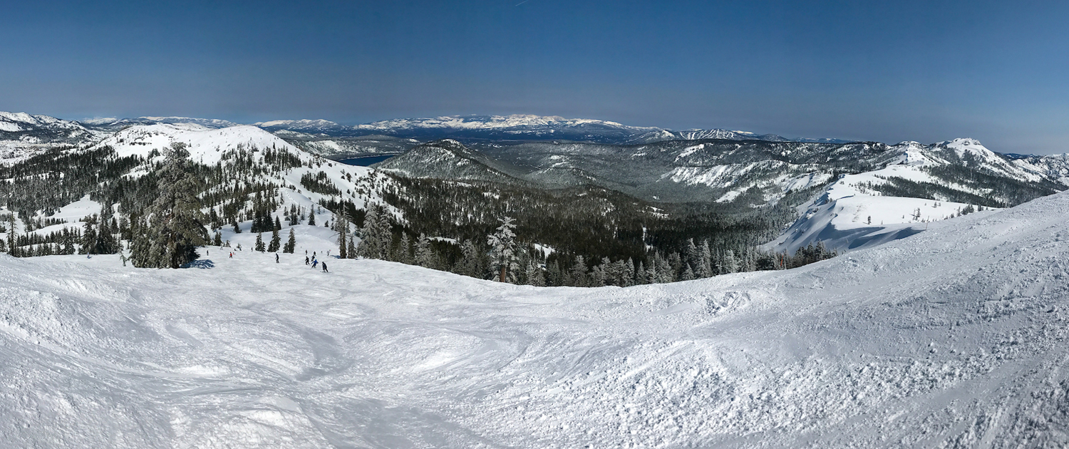 The Sierra Nevada snowpack. This view looks northeast toward Donner Lake. Photo: Kelly M. Grow/ California Department of Water Resources