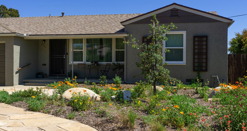 The Kirkpatricks took advantage of the Water Authority's WaterSmart Landscaping classes. Photo: Helix Water District Helix 2019 Landscape Contest