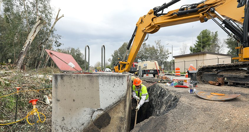 Crews work on First Aqueduct Rehabilitation.